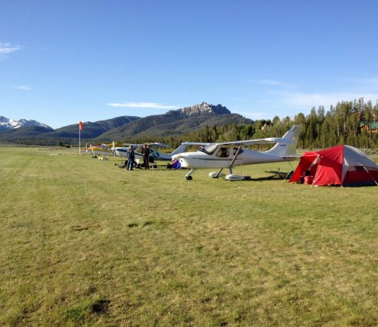 Smiley Creek Fly-in (Photo: Alan Negrin)