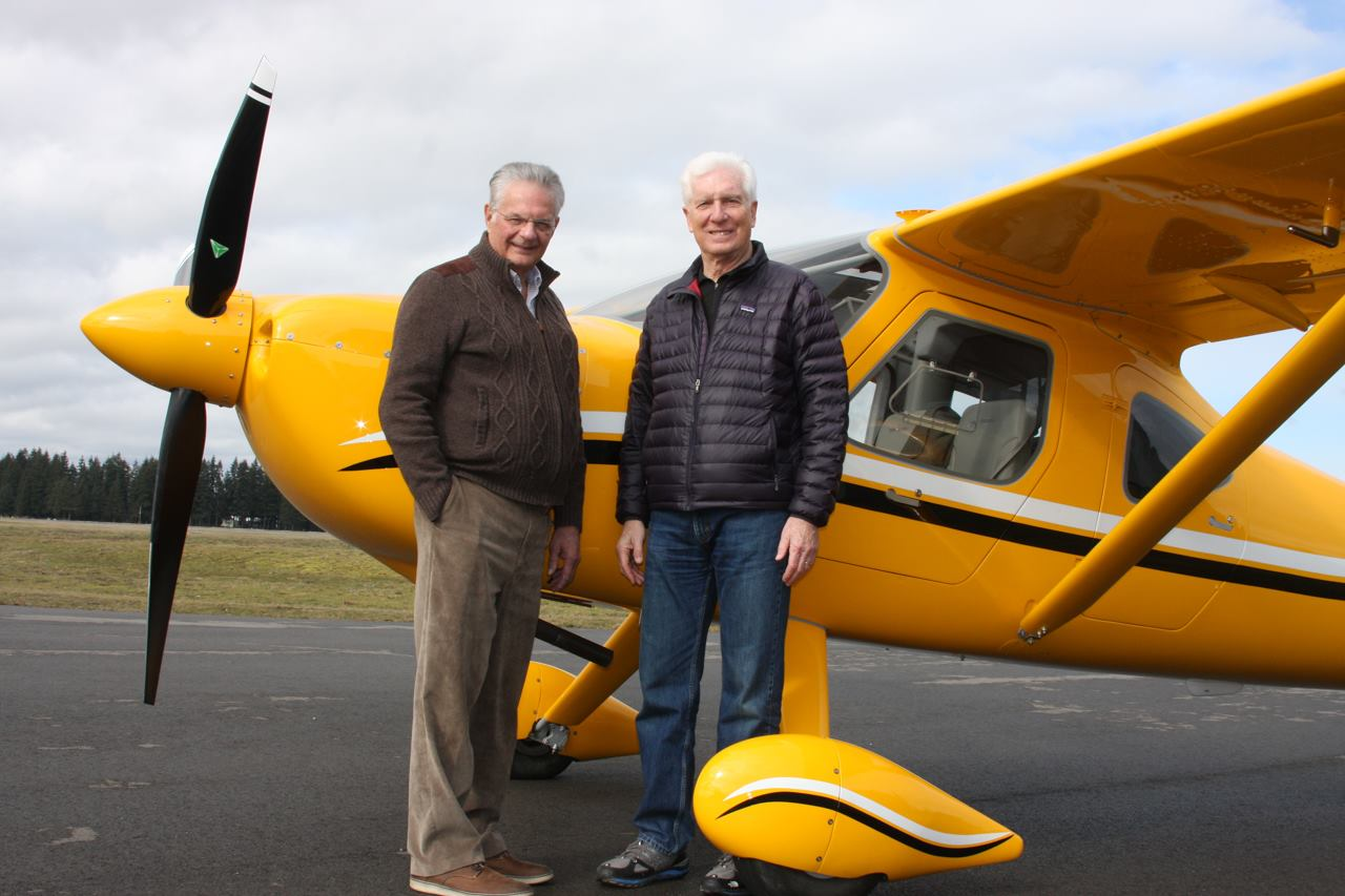 Scott Alperin (right) ready to depart on the adventure across the country with Robert Metelko.